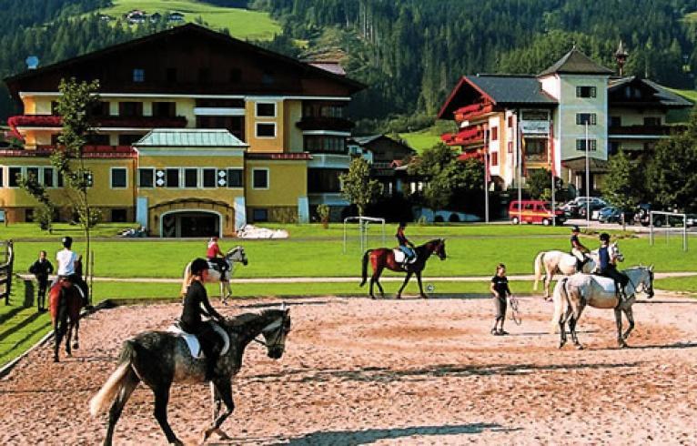 Www Hotels In Der Steiermark Mit Reithalle De